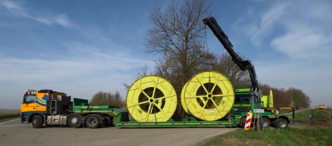 De kabels worden in stukken van 1,5 kilometer per haspel aangeleverd.